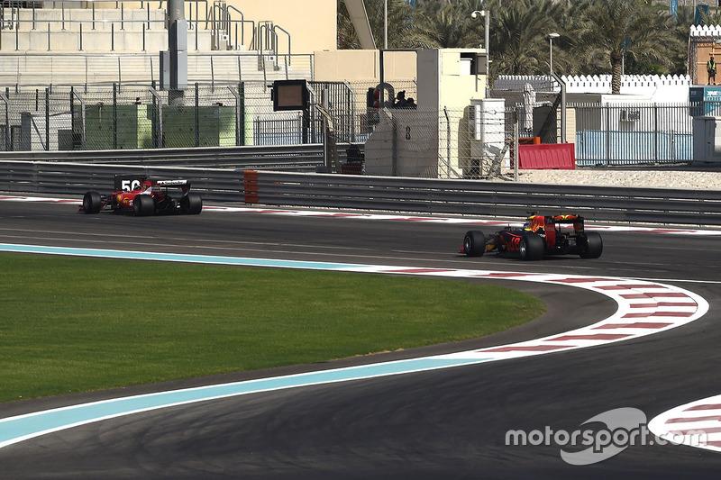 Kimi Raikkonen, Ferrari en Daniel Ricciardo, Red Bull Racing