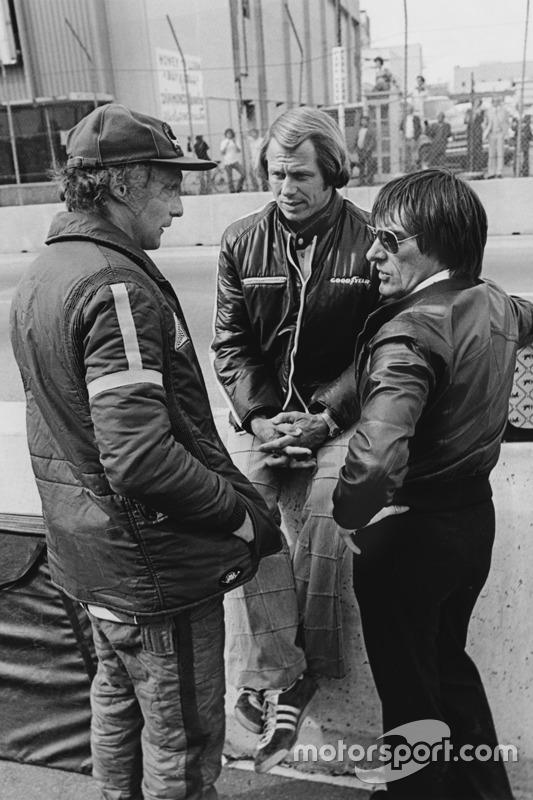 Niki Lauda, Brabham BT46-Alfa Romeo met Bernie Ecclestone