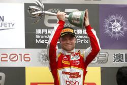 Podium: second place Felix Rosenqvist, SJM Theodore Racing by Prema Dallara Mercedes