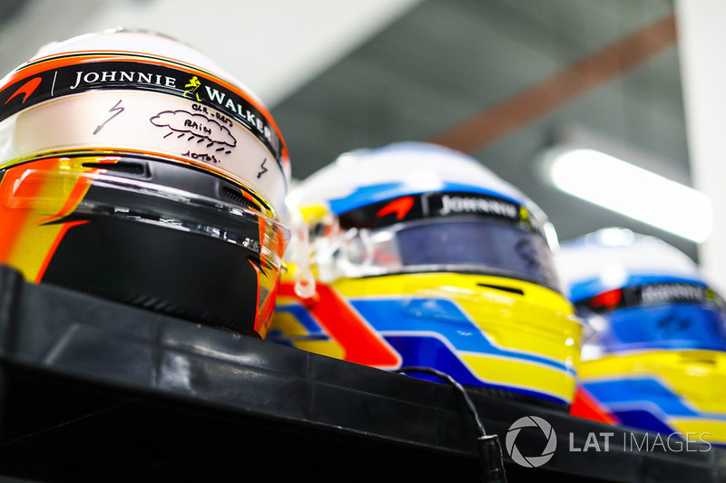 Helmets for Stoffel Vandoorne, McLaren, Fernando Alonso, McLaren