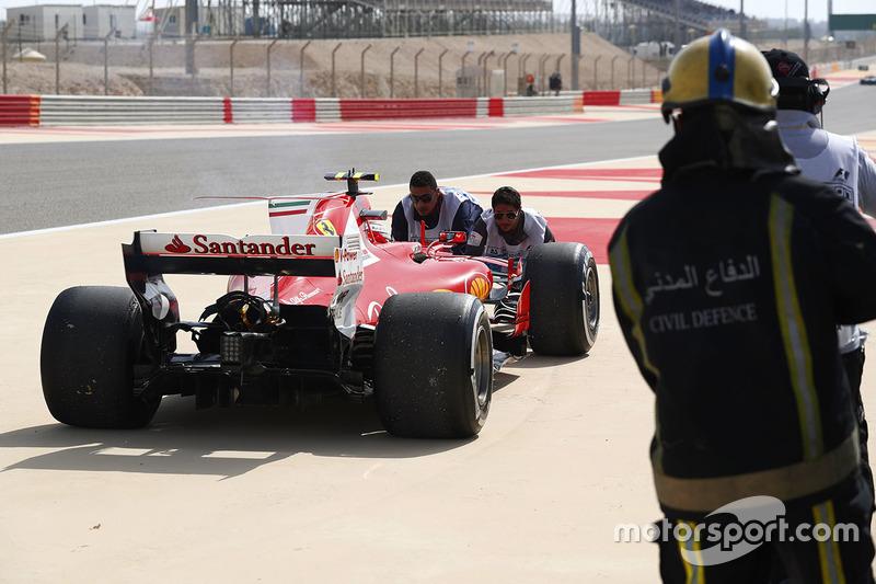 Car of Kimi Raikkonen, Ferrari SF70H, after he suffers engine problems