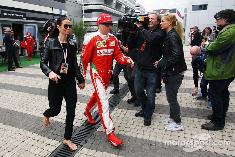 Kimi Raikkonen, Ferrari con su esposa Minttu Virtanen