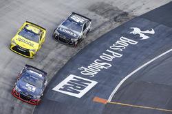 Jamie McMurray, Chip Ganassi Racing Chevrolet, Метт Кенсетт, Joe Gibbs Racing Toyota, Джиммі Джонсон