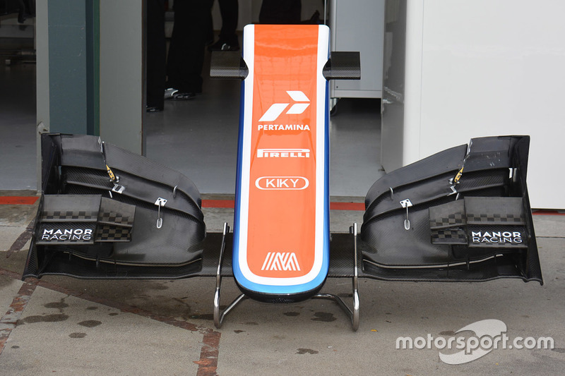 Manor Racing MRT05 old front wing