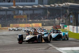 Jean-Eric Vergne, DS TECHEETAH, DS E-Tense FE19 Mitch Evans, Panasonic Jaguar Racing, Jaguar I-Type 3, both in attack mode