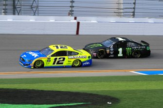 Ryan Blaney, Team Penske, Ford Mustang Menards/Peak, Kurt Busch, Chip Ganassi Racing, Chevrolet Camaro Monster Energy