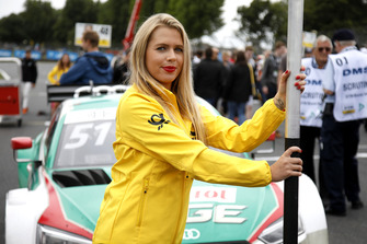 Grid girl of Nico Müller, Audi Sport Team Abt Sportsline
