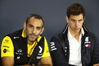 Cyril Abiteboul, Managing Director, Renault Sport F1 Team, and Toto Wolff, Mercedes AMG F1 Director of Motorsport, in a press conference