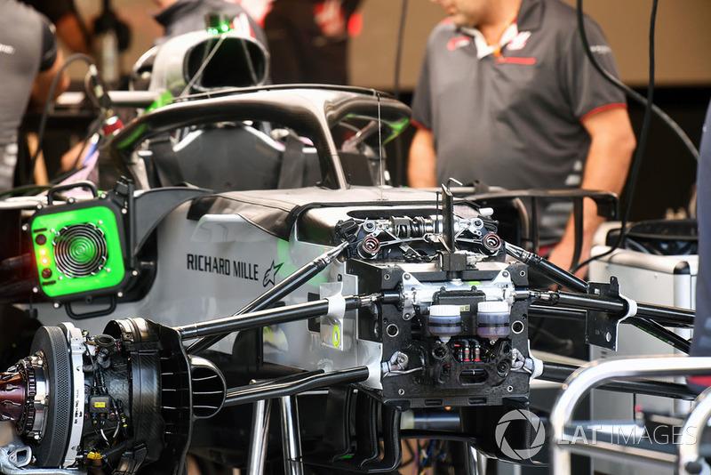 Haas F1 Team VF-18 detalle del chasis