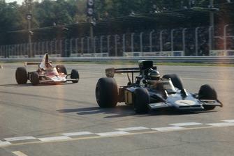 Ronnie Peterson, Lotus 72D, Emerson Fittipaldi, McLaren M23