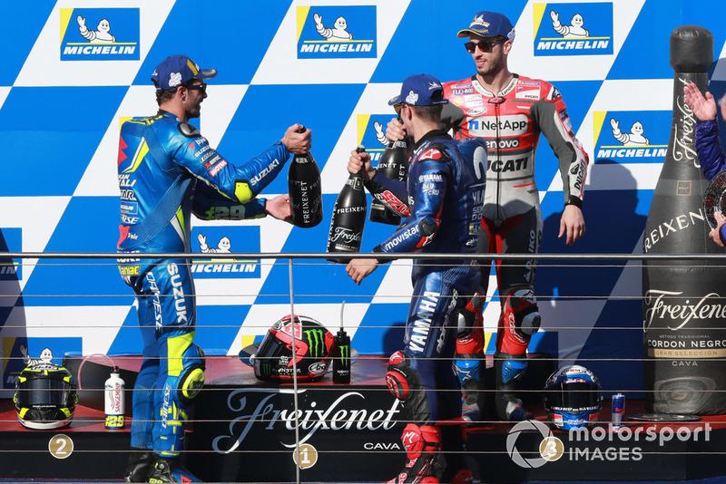 Podio: il vincitore della gara Maverick Viñales, Yamaha Factory Racing, il secondo classificato Andrea Iannone, Team Suzuki MotoGP, il terzo classificato Andrea Dovizioso, Ducati Team