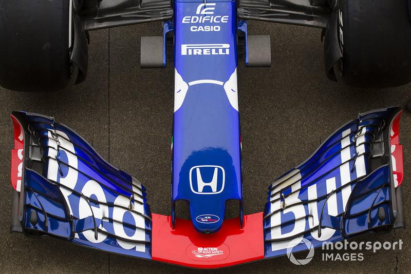 Scuderia Toro Rosso STR13 nariz y alerón delantero