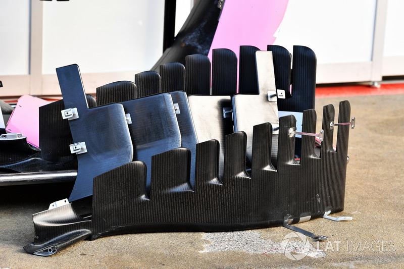 Force India VJM11 barge boardlar
