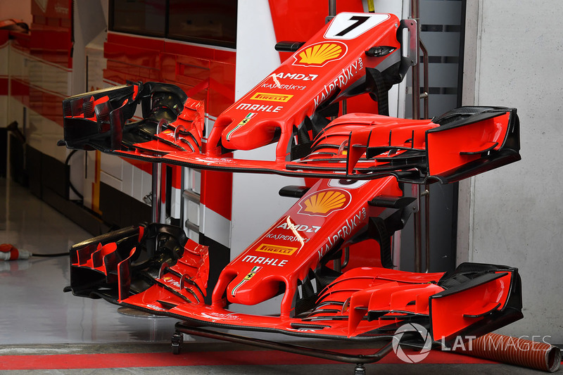 Два варианта переднего крыла Ferrari SF71H