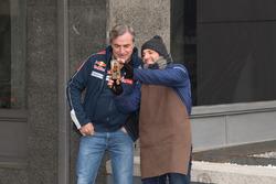 Карлос Сайнс, Peugeot Sport на улицах Мадрида