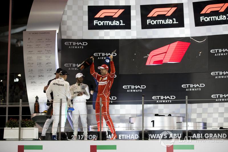 Podium : le vainqueur Valtteri Bottas, Mercedes AMG F1, le deuxième, place Lewis Hamilton, Mercedes AMG F1, le troisième, Sebastian Vettel
