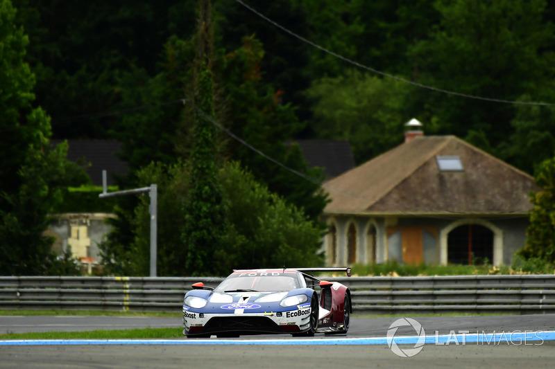 35: #68 Ford Chip Ganassi Racing Ford GT: Joey Hand, Dirk Müller, Sébastien Bourdais, 3'49.582