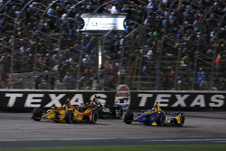 Райан Хантер-Рей, Andretti Autosport Honda, Джеймс Хинчклифф, Schmidt Peterson Motorsports Honda, и Александр Росси, Andretti Autosport Honda