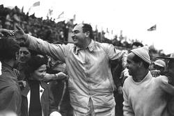 1. Jose Froilan Gonzalez, Maurice Trintignant, Ferrari