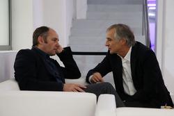 Gerhard Berger, voorzitter van de ITR, en Charly Lamm, teambaas van BMW Team Schnitzer