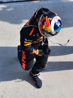 Ganador de la carrera Daniel Ricciardo, Red Bull Racing celebra en parc ferme