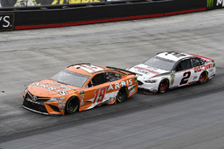 Daniel Suarez, Joe Gibbs Racing, Toyota Camry ARRIS and Brad Keselowski, Team Penske, Ford Fusion Discount Tire