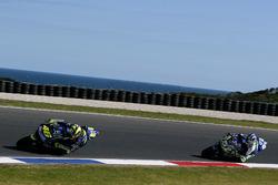 Valentino Rossi, Yamaha Factory Racing; Sete Gibernau, Gresini Honda