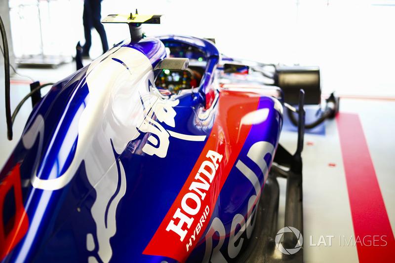 Toro Rosso STR13 Honda П'єра Гаслі