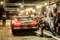 Pit stop^, #17 Belgian Audi Club Team WRT Audi R8 LMS: Stuart Leonard, Marcel Fässler, Daniel Serra