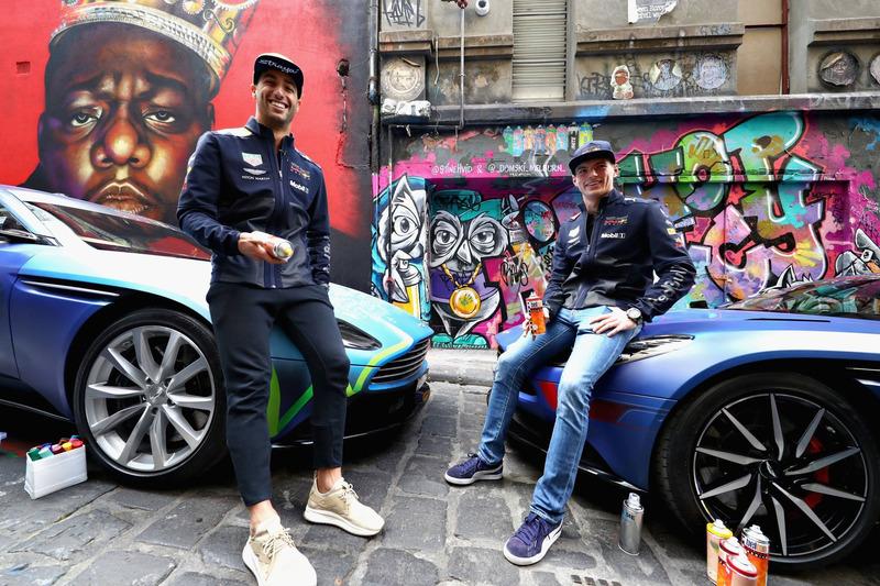 Autó Galéria: amikor munkaköri kötelesség Aston Martint graffitizni