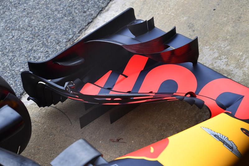 Переднее антикрыло Red Bull Racing RB14