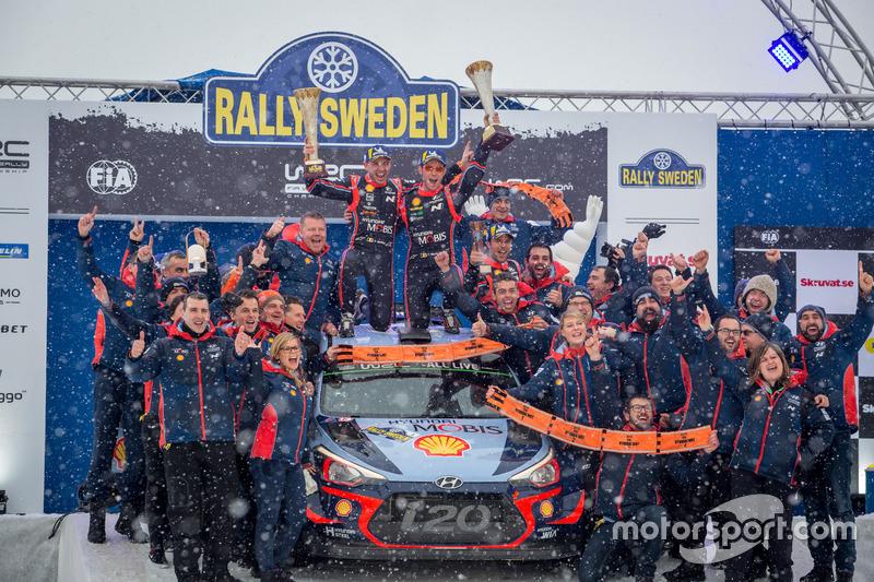 Yarış galibi Thierry Neuville, Nicolas Gilsoul, Hyundai i20 WRC, Hyundai Motorsport