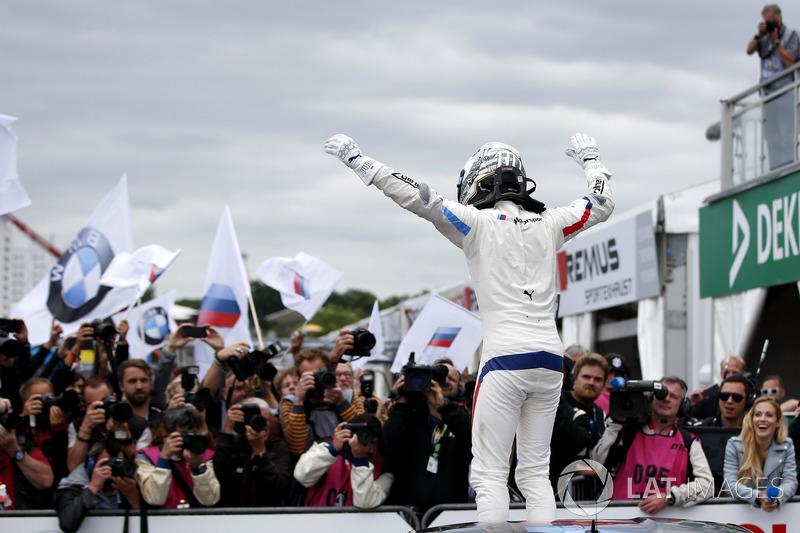Подіум: переможець Марко Віттманн, BMW Team RMG