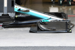 Mercedes-Benz F1 W08  front wing detail