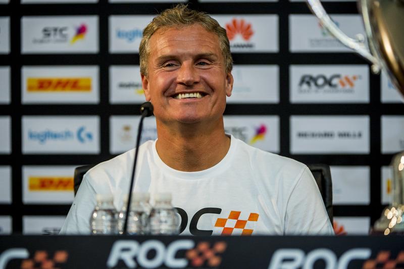 El ganador David Coulthard en la rueda de prensa