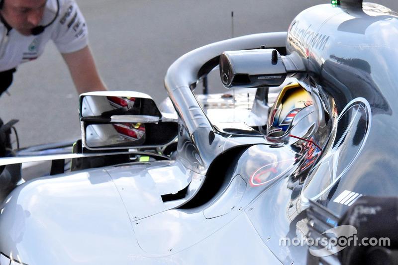 Le rétroviseur de la monoplace de Lewis Hamilton, Mercedes AMG F1 W09