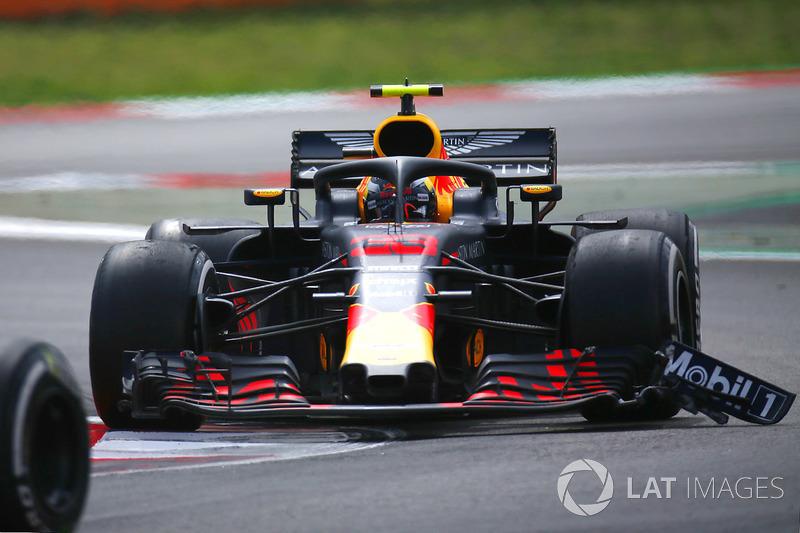 Max Verstappen, Red Bull Racing RB14 avec des dégâts sur l'aileron