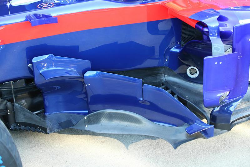 Pontons de la Toro Rosso STR13