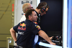 Christian Horner, Red Bull Racing Team Principal and Dr Helmut Marko, Red Bull Motorsport Consultant in the garage
