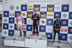 Podio Rookie Gara 3: il secondo classificato Niklas Krutten, BWT Mucke Motorsport, il primo classificato Petr Ptacek, Bhaitech, il terzo classificato Umberto Laganella, Cram Motorsport