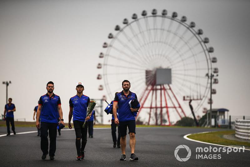 Pierre Gasly, Scuderia Toro Rosso, walks the track