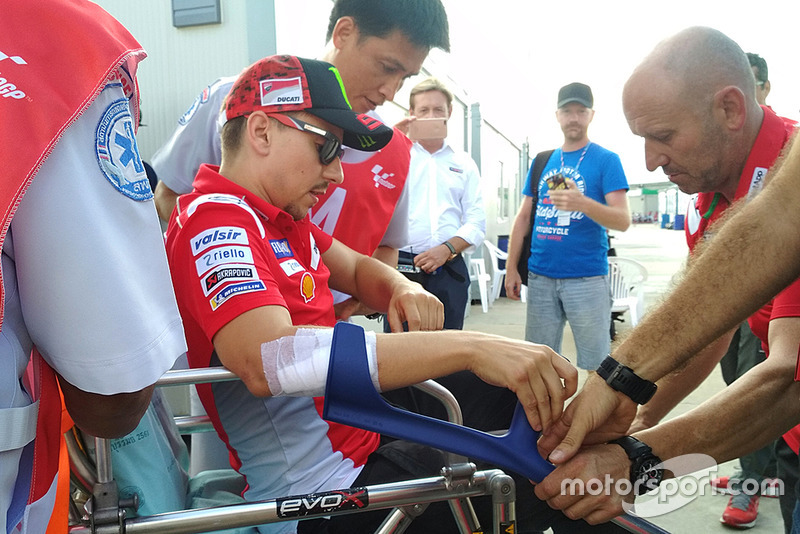 Jorge Lorenzo, Ducati Team taken to hospital after crash