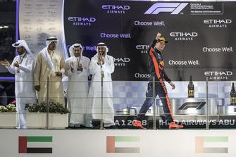 Max Verstappen, Red Bull Racing, festeggia sul podio