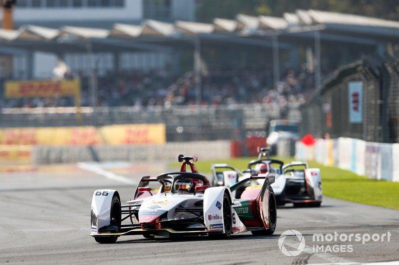 Daniel Abt, Audi Sport ABT Schaeffler, Audi e-tron FE05 precede Felipe Nasr, GEOX Dragon Racing, Penske EV-3