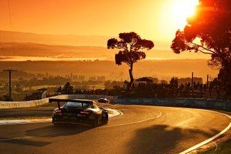 #911 EBM Porsche 911 GT3-R: Romain Dumas, Sven Müller, Mathieu Jaminet