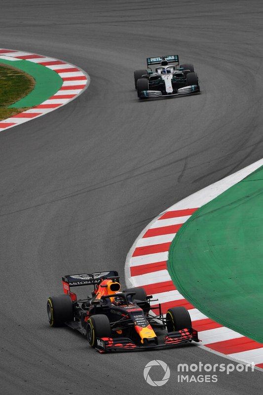 Max Verstappen, Red Bull Racing RB15 and Valtteri Bottas, Mercedes-AMG F1 W10