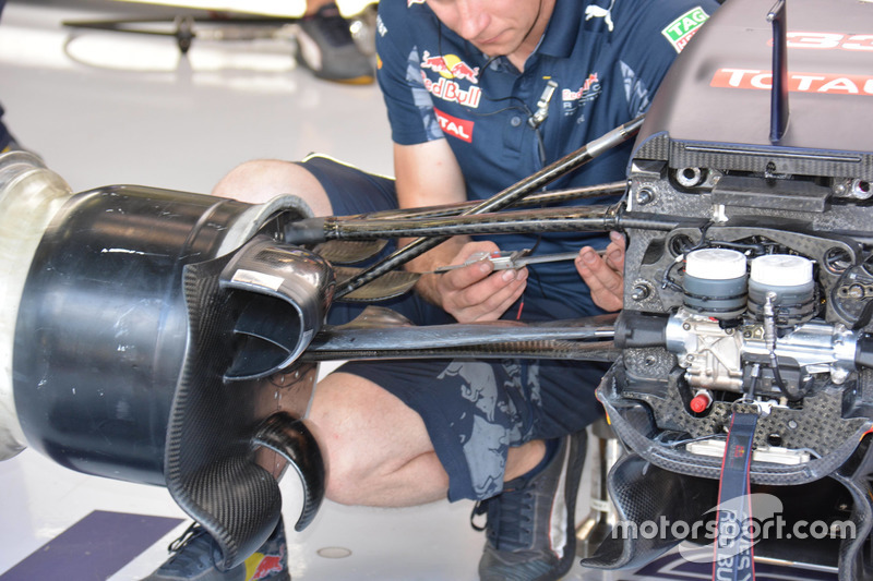 Red Bull Racing RB 12, brake duct anteriore