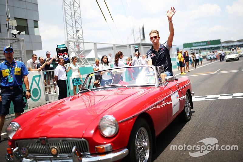 Daniil Kvyat, Scuderia Toro Rosso on the drivers parade