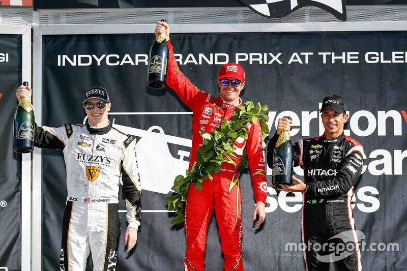 Podium: winner Scott Dixon, Chip Ganassi Racing Chevrolet, second place Josef Newgarden, Ed Carpente