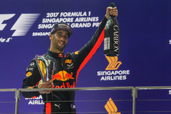Podium: segundo, Daniel Ricciardo, Red Bull Racing